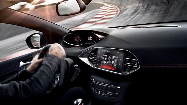 PEUGEOT 308 GTi by PEUGEOT SPORT -  i-cockpit