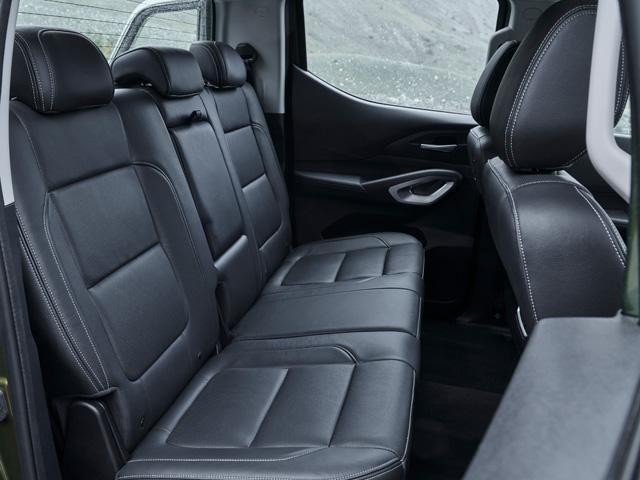Nueva pick-up PEUGEOT LANDTREK cabina doble modularidad trasera