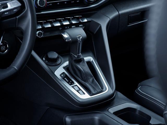 Nueva pick-up PEUGEOT LANDTREK caja de cambios automática de seis velocidades