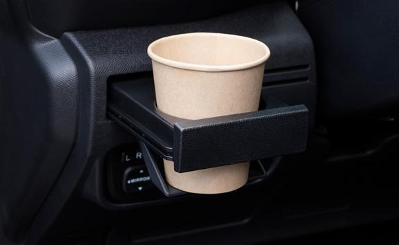 Nueva pick-up PEUGEOT LANDTREK cabina doble numerosos portavasos disponibles